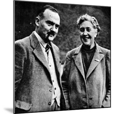 Agatha Christie and Max Mallowan--Mounted Photographic Print