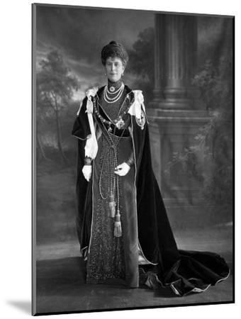 Queen Mary, 1911--Mounted Photographic Print