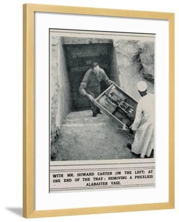 Howard Carter Removing Treasures from the Tomb of Tutankhamun--Framed Photographic Print