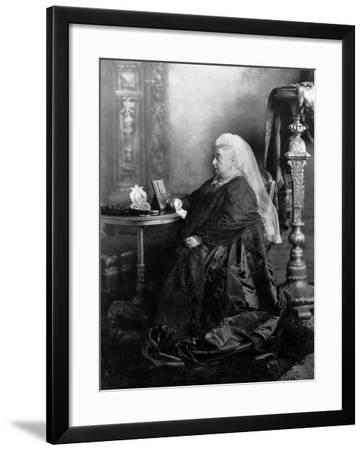 Queen Victoria, Windsor, May 1897--Framed Photographic Print