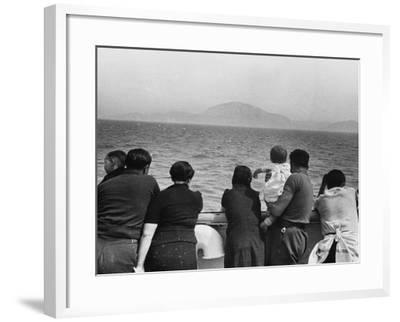 Refugee Ship WWII-Robert Hunt-Framed Photographic Print