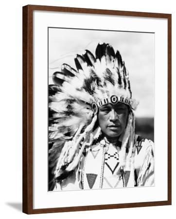 Sioux Native American Man Wearing Large Headdress-H^ Armstrong Roberts-Framed Photographic Print