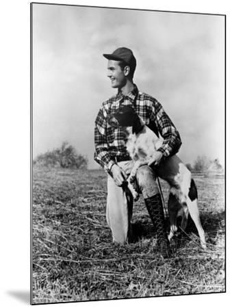 Man Kneeling Down Next To Setter, Arm Around Dog-H^ Armstrong Roberts-Mounted Photographic Print