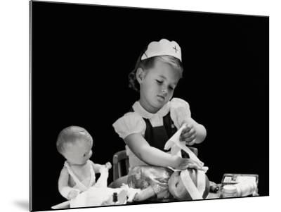 Playing Nurse-H^ Armstrong Roberts-Mounted Photographic Print