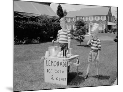 Lemonade Stall-H^ Armstrong Roberts-Mounted Photographic Print