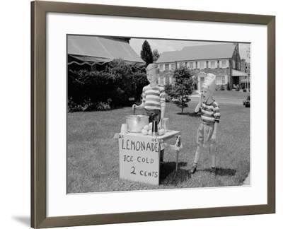 Lemonade Stall-H^ Armstrong Roberts-Framed Photographic Print