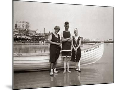 Posing in Bathing Suits-H^ Armstrong Roberts-Mounted Photographic Print