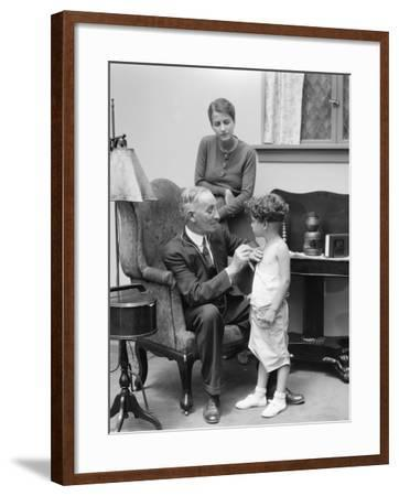 Doctor and Patient-H^ Armstrong Roberts-Framed Photographic Print