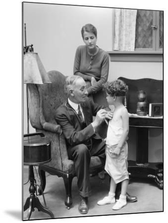 Doctor and Patient-H^ Armstrong Roberts-Mounted Photographic Print