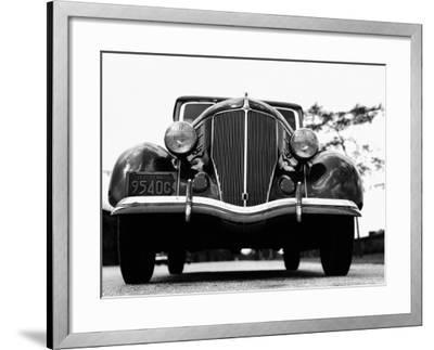 Front View of 1930S Car-H^ Armstrong Roberts-Framed Photographic Print