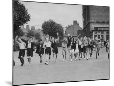 Cheering Children--Mounted Photographic Print