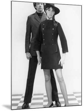 Mod Couple-George Marks-Mounted Photographic Print
