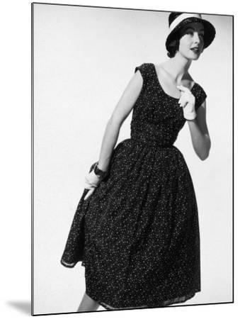 Summer Chic-Chaloner Woods-Mounted Photographic Print