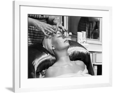 Face Massage-Chaloner Woods-Framed Photographic Print