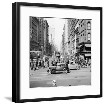 New York Street Scene-Hulton Archive-Framed Photographic Print