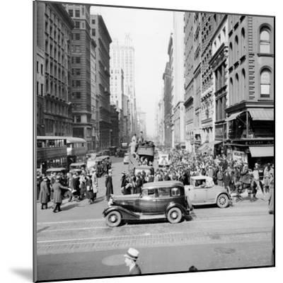 New York Street Scene-Hulton Archive-Mounted Photographic Print