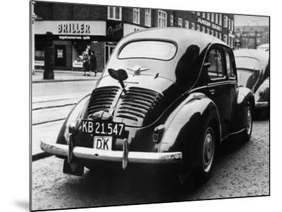 Clockwork Car-Keystone-Mounted Photographic Print
