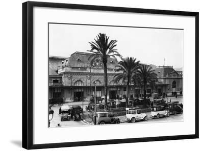 Nice Railway Station-Topical Press Agency-Framed Photographic Print