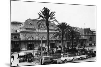 Nice Railway Station-Topical Press Agency-Mounted Photographic Print