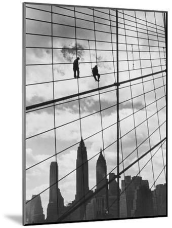 Brooklyn Bridge Workers-Archive Photos-Mounted Photographic Print