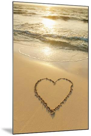 Mexico, Yucatan, Heart Drawn in Sand on Beach-Tetra Images-Mounted Photographic Print