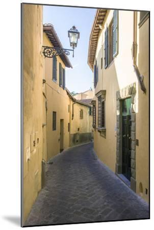 'Erta Canina' Street-Maremagnum-Mounted Photographic Print