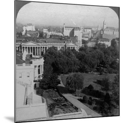 The White House and the Treasury Building, Washington DC, USA-Underwood & Underwood-Mounted Photographic Print
