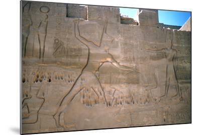 Pharaoh Seti, Capture of Slaves, Luxor, Egypt--Mounted Photographic Print