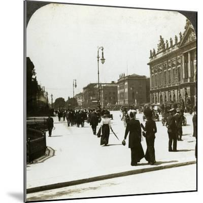 Unter Den Linden, Berlin, Germany-Underwood & Underwood-Mounted Photographic Print