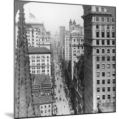 From the Empire Building Past Trinity Church Up Broadway, 1902-Underwood & Underwood-Mounted Photographic Print