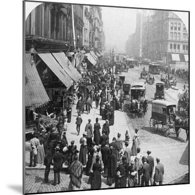 A Street Scene in Chicago, Illinois, USA, 1896-Underwood & Underwood-Mounted Photographic Print
