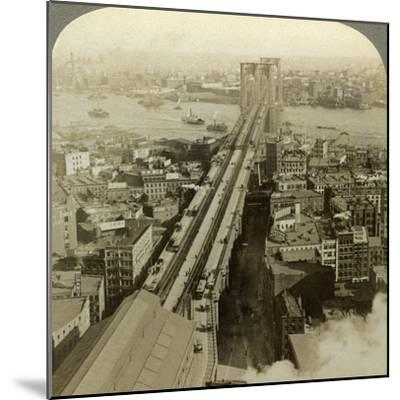 Brooklyn Bridge, New York, USA-Underwood & Underwood-Mounted Photographic Print