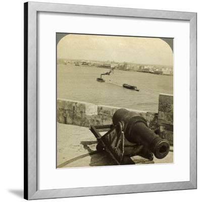 Cannon, Morro Castle, Havana, Cuba-Underwood & Underwood-Framed Photographic Print