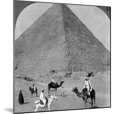 King Khufu's Tomb, the Great Phyramid of Giza, Egypt, 1905-Underwood & Underwood-Mounted Photographic Print