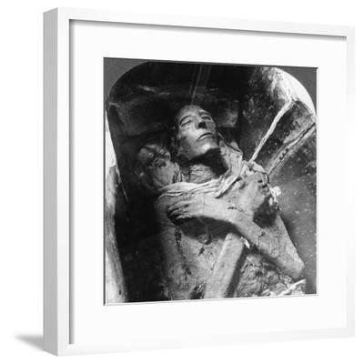 The Mummy of Sethos I (1394Bc-1279B), Cairo, Egypt, 1905-Underwood & Underwood-Framed Photographic Print