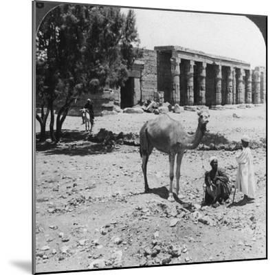Looking North to the Temple of Sethos I, Thebes, Egypt, 1905-Underwood & Underwood-Mounted Photographic Print