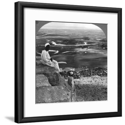 View from the Summit of the Great Pyramid, Giza, Egypt, 1905-Underwood & Underwood-Framed Photographic Print