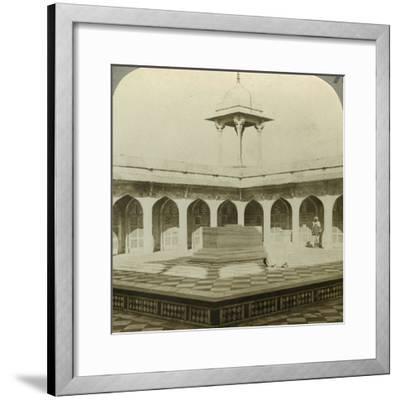 Akbar's Tomb, Sikandara, Uttar Pradesh, India, C1900s-Underwood & Underwood-Framed Photographic Print