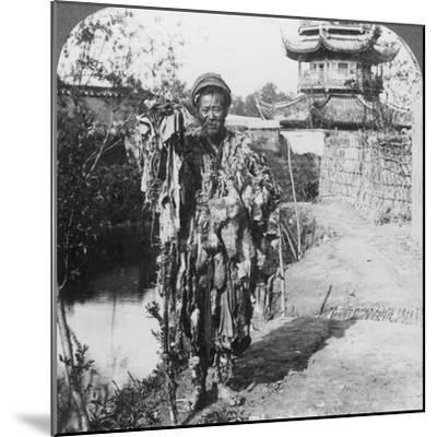 King of the Beggars, Loong Wah, China, Late 19th or Early 20th Century-Underwood & Underwood-Mounted Photographic Print