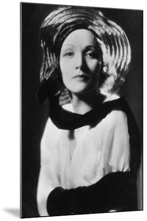 Marlene Dietrich (1901-199), German-Born American Actress, Singer and Entertainer, 20th Century--Mounted Photographic Print