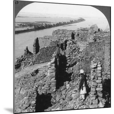 Kasr (Qas) Ibrim and a View Down the Nile in Nubia, Egypt, 1905-Underwood & Underwood-Mounted Photographic Print