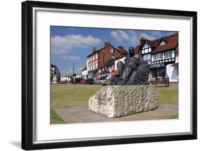 Sir Winston Churchill Statue, Westerham, Kent-Peter Thompson-Framed Photographic Print