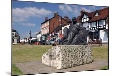 Sir Winston Churchill Statue, Westerham, Kent-Peter Thompson-Mounted Photographic Print