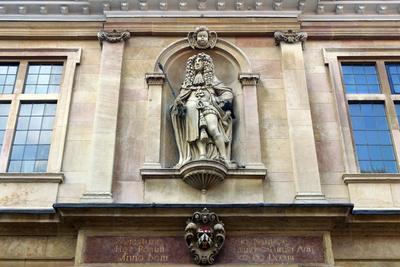 Charles II on Custom House, Kings Lynn, Norfolk-Peter Thompson-Photographic Print