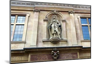 Charles II on Custom House, Kings Lynn, Norfolk-Peter Thompson-Mounted Photographic Print