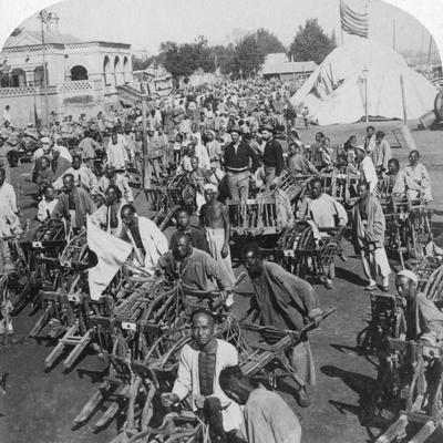 Wheelbarrow Transportation at the Boat Landing, Tientsin (Tianji), China, 1901-Underwood & Underwood-Framed Photographic Print