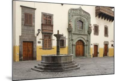 Casa De Colon, Las Palmas, Gran Canaria, Canary Islands, Spain-Peter Thompson-Mounted Photographic Print