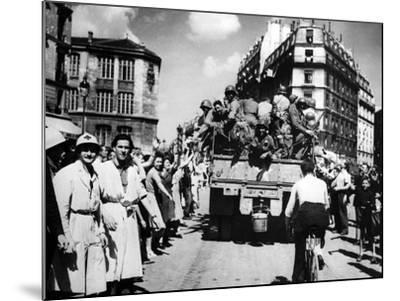 The Liberation of Paris, August 1944--Mounted Photographic Print