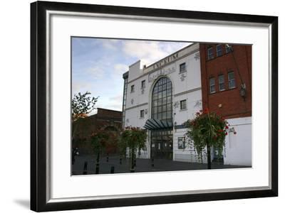Lyceum Theatre, Crewe, Cheshire, 2005-Peter Thompson-Framed Photographic Print