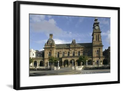 Southport Arts Centre, Southport, Merseyside, 2005-Peter Thompson-Framed Photographic Print